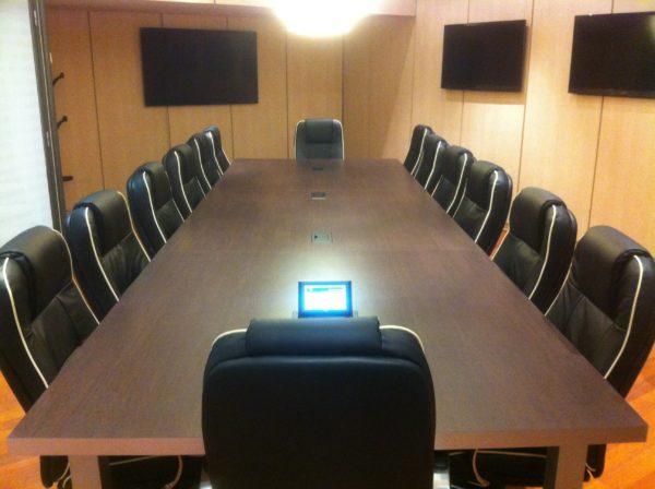 écran plat salle de réunion