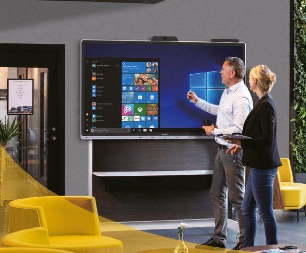 Lyon moniteur-tactile-Sharp-Windows-collaboration
